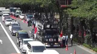 getlinkyoutube.com-パイロンを無理やりどけて怒鳴り散らす右翼街宣車 Right-wing which can move aside forcibly and shouts at a pylon