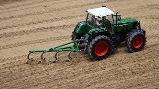 getlinkyoutube.com-Fendt Vario Remote Control Tractor - Erlebniswelt Modellbau Kassel
