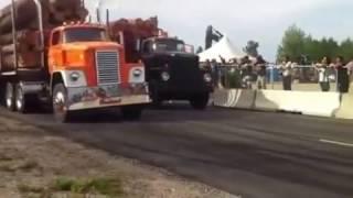 getlinkyoutube.com-antique Logging Trucks drag race Dodge Detroit Diesel power Quebec Big Rigs