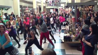 getlinkyoutube.com-Flash Mob Sunrise Mall