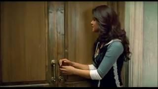 Salman Khan enjoys with Bijli on bed - Mujhse Shaadi Karogi