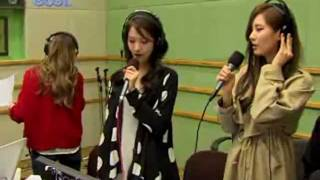 SNSD - Bomnal (How great is your love) Kiss the radio Oct 21, 2011 GIRLS' GENERATION Live