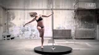 getlinkyoutube.com-フランスNO1ポールダンサー とにかく技がすごい!