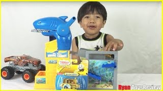 getlinkyoutube.com-GOLD THOMAS the tank engine special edition Thomas & Friends Take N Play