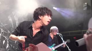 getlinkyoutube.com-ONE OK ROCK - clock strikes live in london concert 2013 fancam