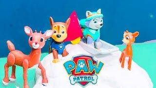 getlinkyoutube.com-PAW PATROL Nickelodeon Everest + Chase Help Santa Clause and Rudolph Toys Video Parody