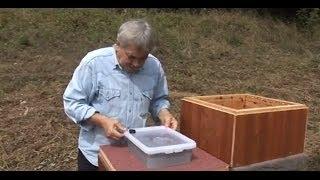 getlinkyoutube.com-Jakubovské krmítko - videonávod pro jednoduché a efektivní krmení včel