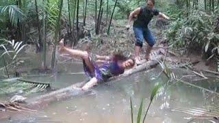 getlinkyoutube.com-Tyo Din Samjhidaa Hironi Chiplindaa || Nepali Funny Video