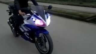 getlinkyoutube.com-Xe Yamaha R15 độ đèn led xenon và tiếng pô Akrapovic || độ đèn let cho xe R15 || xe R15 độ pô