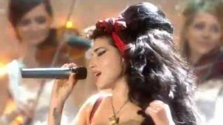 getlinkyoutube.com-Adele & Amy Winehouse performing @ The BRIT Awards (2008)