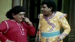 getlinkyoutube.com-Vadivelu charms snake - Jagan Mohini