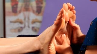 getlinkyoutube.com-5 Basic Foot Reflexology Techniques | Reflexology