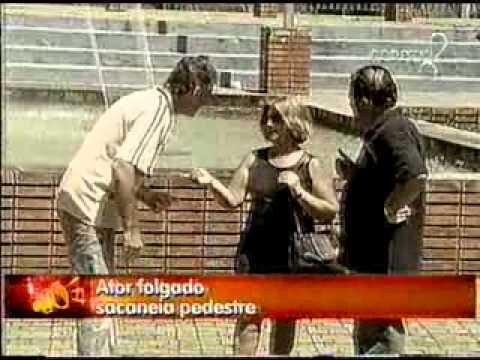 Pegadinha Joao Kleber - Ator Folgado (Sacaneia Pedestre)