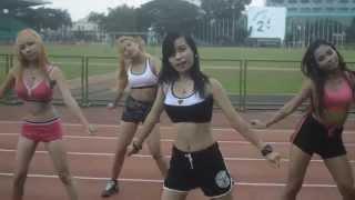 getlinkyoutube.com-SISTAR - Shake It MV & Dance Cover by 4 Goddesses (Sports Wear Ver.)