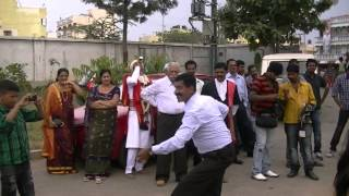 getlinkyoutube.com-Kodava (Coorgi) Wedding Dance - Suresh
