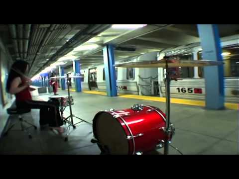 Musicless Musicvideo / THE WHITE STRIPES - The Hardest Button To Button
