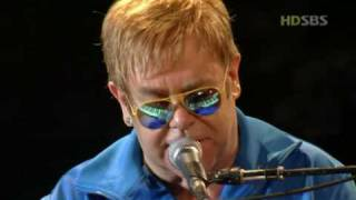 getlinkyoutube.com-Elton John - Can you feel the love tonight (Live In Seoul 2004 HD)