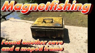 getlinkyoutube.com-Magnet fishing found a moped frame and  another safe! [Magneetvissen]