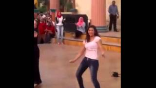 getlinkyoutube.com-رقص ست جامد جداً  فى دريم بارك
