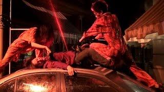 凶暴チェーンソーゾンビと車の上で・・・ USJハロウィーンホラーナイト2014