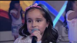 getlinkyoutube.com-Primeira vez da Sienna Belle no programa Raúl Gil cantando (Love Me Like You)