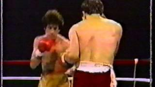 "getlinkyoutube.com-Salvador Sanchez vs Jorge ""Rocky"" Garcia"