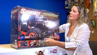 getlinkyoutube.com-RC ADVENTURES - Jem unboxes her Traxxas Summit 4x4, Electric Radio Control Truck!