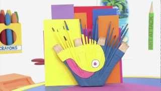 getlinkyoutube.com-Art attack -  Recyclage de Vieux Pinceaux - Sur Disney Junior !