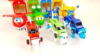 SuperWings SpecialTransport Transformers Wind a Spring Puppy to Car Transformation