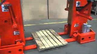 getlinkyoutube.com-Coil-pallet lifter.wmv