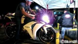 getlinkyoutube.com-Honda CBR 1000RR Fireblade Top Speed - 335km/h on dyno!
