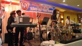 getlinkyoutube.com-hoang thuc linh with Vrock band