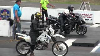 The differance between Dirt bike and Street bike -acceleration,speed,drag race