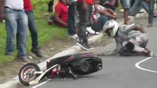 """getlinkyoutube.com-Artistica de Calle: 3ra Carrera """"Campeonato del Cibao"""" 2013 de MotoVelocidad @ La Vega (02-06-2013)"""