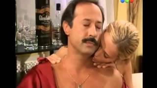 getlinkyoutube.com-Es una Nena - Capitulo 7 - Arturo conoce a la mamá de July