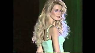 getlinkyoutube.com-Claudia Schiffer, Naomi Campbell and Kate Moss in Gianni Versace Spring/Summer 1995