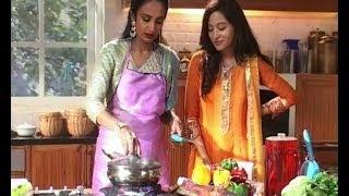 getlinkyoutube.com-Beintehaa : Aaliya prepares lunch for Zain
