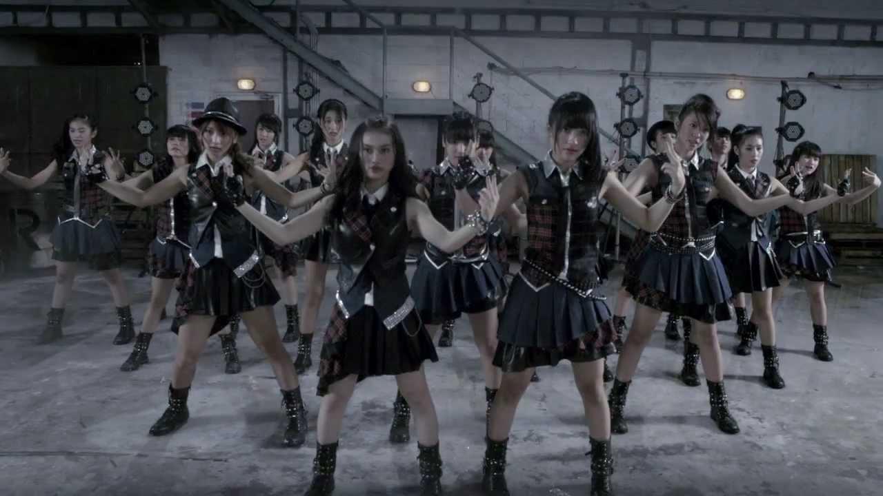 Teaser PV JKT48 - RIVER, single terbaru JKT48 yang rencananya akan rilis bulan in Teriakan JKT! 48! yang dilontarkan Kinal disini beda dengan saat di Nippon Budoukan, kesannya kurang greget. Apa mungkin yang di Budoukan itu benar-benar teriak