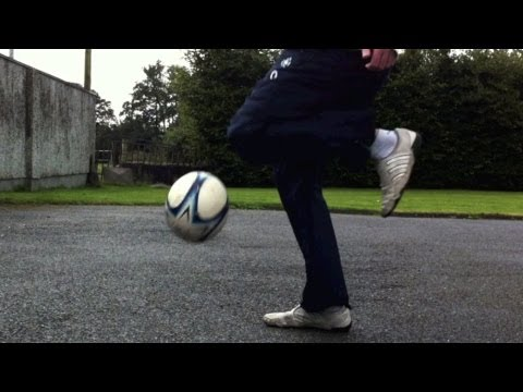 Knee Slam (Tutorial) :: Freestyle Football