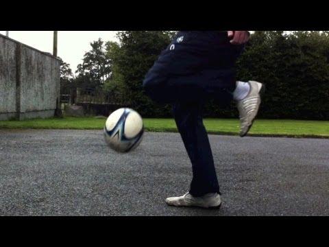 Knee Slam (Tutorial) :: Freestyle Football