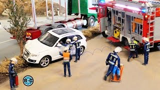 getlinkyoutube.com-RC AUDI Q5 SUV CRASH & Firefighters ACTION🔥 - * Thanks for 60k subscribers!!! *