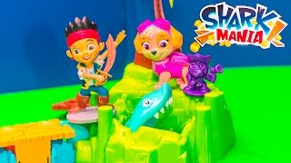 getlinkyoutube.com-SHARK MANIA Game Paw Patrol and Jake Pirate Play Shark Mania Toys Video Unboxing