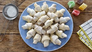 Cornulete fragede cu rahat   Crescents pastries (CC Eng Sub)   JamilaCuisine
