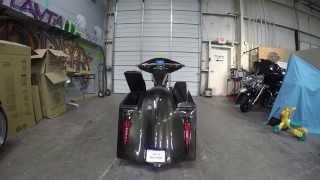getlinkyoutube.com-One off custom Big Wheel Bagger with actuating speaker lids