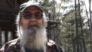 getlinkyoutube.com-Hilarious Uncle Si Commercial Shoot Outtakes for Flextone Black Rack.