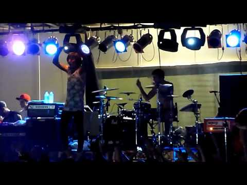Bring Me The Horizon -  Crucify Me (Brisbane SOUNDWAVE 2011)