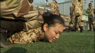 getlinkyoutube.com-Chinese women brave broken bottles to become bodyguards