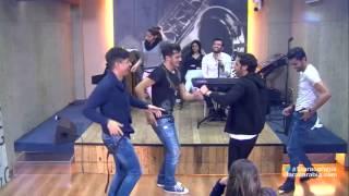 getlinkyoutube.com-رقص علي الفيصل مع الطلاب _ستار اكاديمي11
