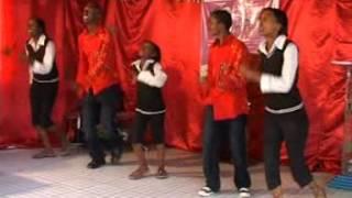getlinkyoutube.com-Angela Chibalonza  Toka Chini