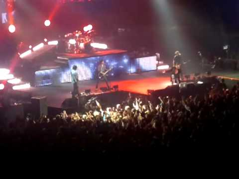 Guns n' Roses & Izzy Stradlin - Nightrain live at the O2 Arena May 31st 2012